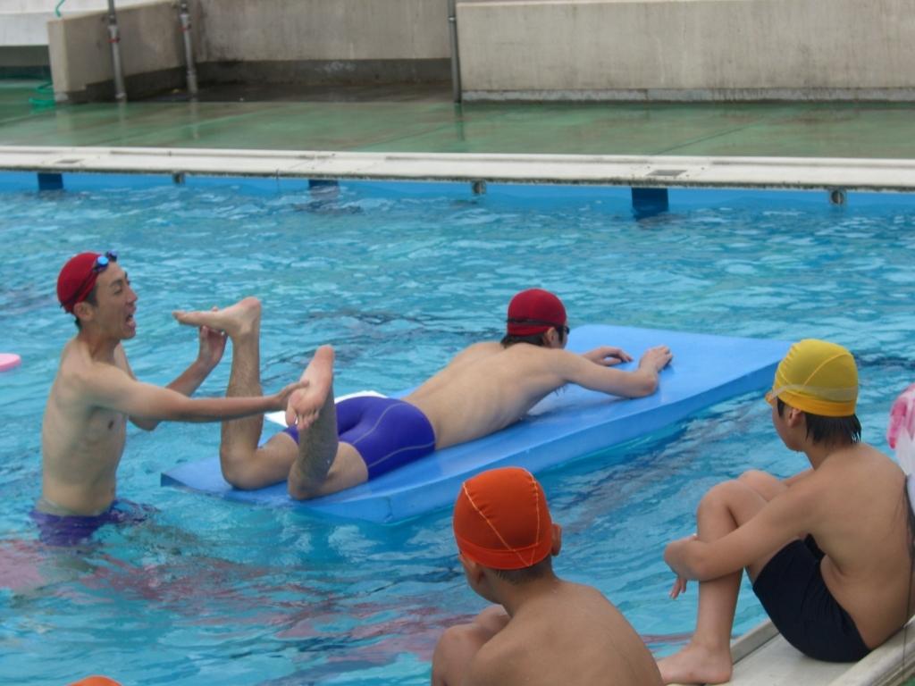 目標を持ち、懸命に取り組む大切さを私たちも学びました。これからも水泳を通... 【水泳出張授業】